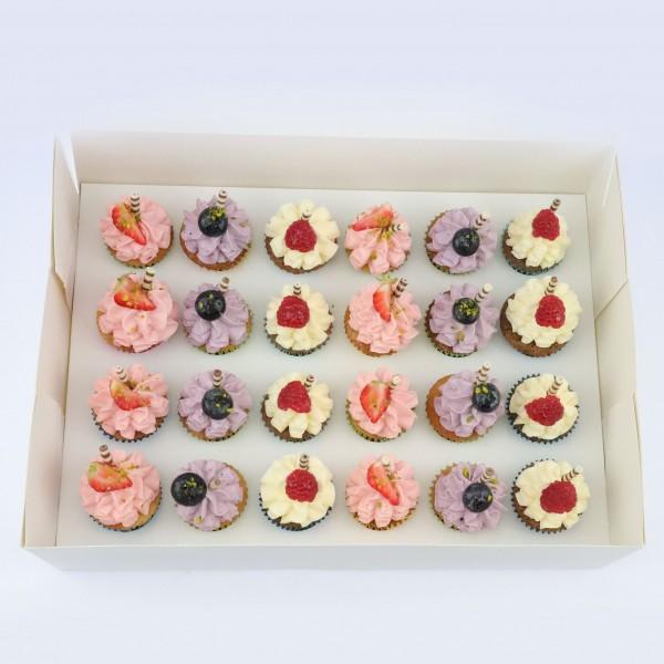 Mini Cupcakes 24 Stück - Box 2 mit Erdbeere, Heidelbeere, Vanille